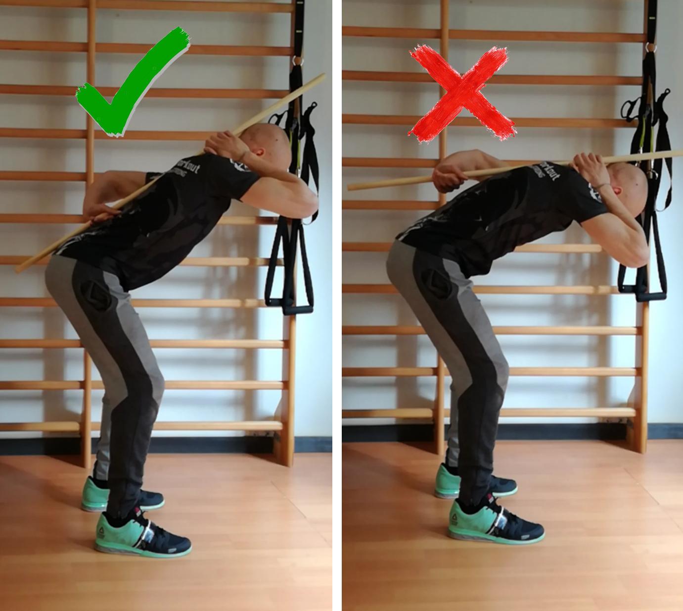 movimento di hip hinge con bastone